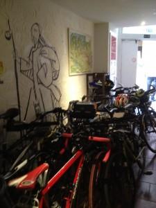 Quelques vélos au gîte Ultreïa